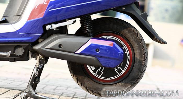 Chân chống điện an toàn - Động cơ xe mạnh mẽ